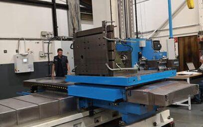 Masini de alezat si frezat cu CNC sau DRO cu masa mobile tip AF si AFD