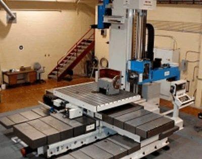 Masini orizontale de alezat si frezat cu CNC sau afisaj de cote cu masa mobila – seria AF si AFD